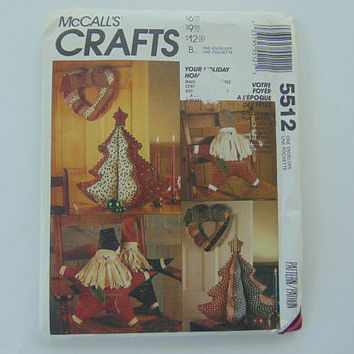 McCall's Craft 5512 Your Holiday Home Christmas Tree Ornaments Santa Star Dolls Stuffed Tree Centerpiece Heart Wreath sewing pattern