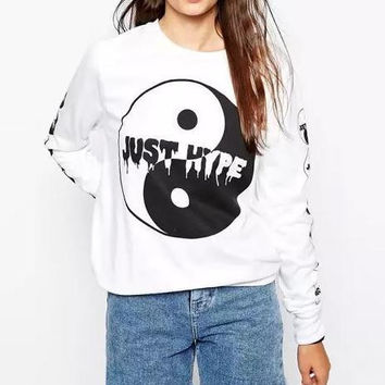 White Geometric Pattern Letter Printed Sweater