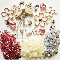 DIY 3D Bling Cell Phone Case Deco Kit : Rhinestone Bow and Daisies Cabochons