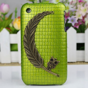 Antique Bronze  Big Leaf With Small Cute Owl Hard Case Cover for Apple iPhone 3 Case, iPhone 3gs Case, iPhone 3g Hard Case