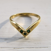 The V Ring by PDKT on Etsy