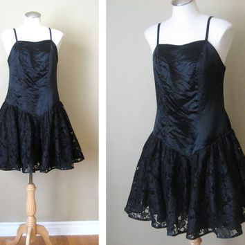 vintage 80s Dress / Lace Ruffle Party / Crinoline Skirt / Black Satin / New Years Eve / NYE