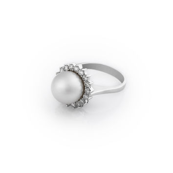 Pearl Ring With Diamond Halo