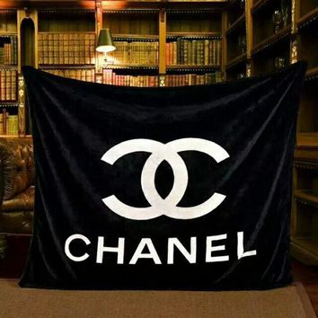 CHANEL Warm Flannel Conditioning Throw Blanket Quilt For Bedroom Living Rooms Sofa