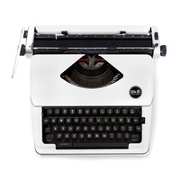 We R Memory Keepers® Typecast Typewriter, White