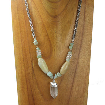 Horn necklace with crystal charm, and green quarz. NS-108