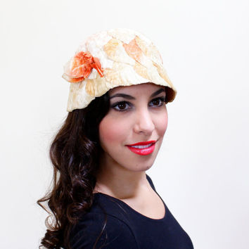 Vintage 1920s Cloche Hat - Hess Brother's Velvet Petal Fashion Accessory / Peachy