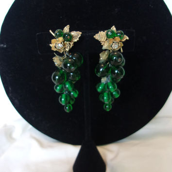 Miriam Haskell Vintage Emerald Green Glass Bead Glass Rhinestone Flower Cluster Clip On Earrings