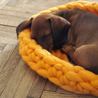 Pet bed. Cozy mat for dog or cat. Many sizes and colors. 23 microns merino wool. 100% handmade.