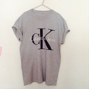 Classic old skool calvin klein jeans tshirt 90's urban swag luxe style