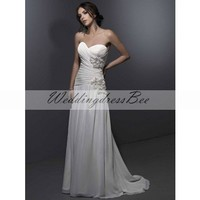 Gorgeous sleeveless natural waist princess wedding dress