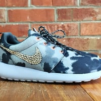 New Women's Nike Roshe Run Running Shoes Blinged with Swarovski Elements Crystal Rhinestones Navy Blue Light Blue Baby Blue Camo Tie Dye