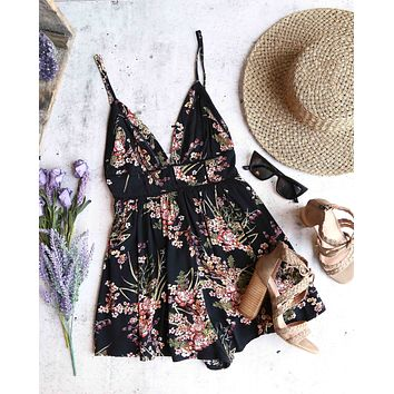 capture the moment floral romper - black