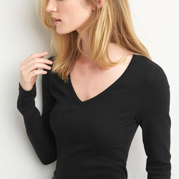 Modern Long Sleeve V-Neck T-Shirt | Gap