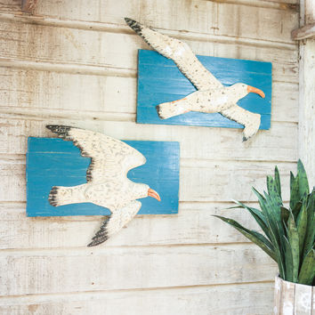 Set of 2 Painted Metal Seagull On Recycled Wooden Slatted Frame