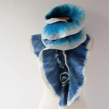 Felted ruffle scarf collar white turquoise teal blue felt mittens