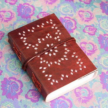 Leather Writing Journal Hand Bound Journal Leather Journal with leather tie closure || Groomsmen gift, gift for her