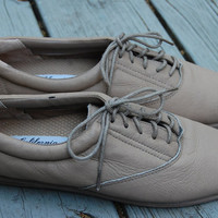 Vintage California Cobblers Taupe Leather Lace Up Jazz Shoes Oxfords Ladies Size 9 Medium