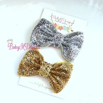 Fancy Holiday Glitter Bow Gold Silver Baby Hair Clips / Newborn Hair Clips / Itty Bitty Baby Bow Clips / Toddler Girls Simple Bow Clips