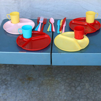 vintage portable metal suitcase style picnic table set