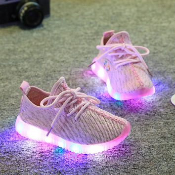 Shoes for Children Boys Girls Sport Shoes Fashion Outdoor Brand Kids Sneakers Led Yeezy Breathable Casual Heelys High Quality