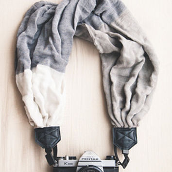 The VC Scarf Camera Strap The DeEtte