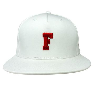 Focus Snapback Hat in white and red