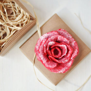 Ready to ship - Red and white felt flower brooch - Bonjour - With box - Wool Silk - Handmade red flower brooch - Wrapped as a gift