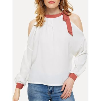 Open Shoulder Knot Side Top