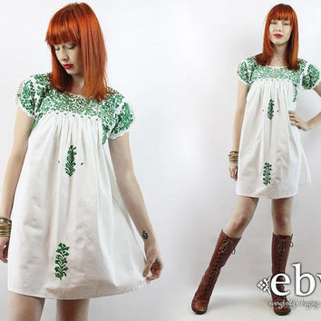 Vintage 70s White Mexican Embroidered Mini Dress S M White Mexican Dress Hippie Dress Hippy Dress Boho Dress Festival Dress Oaxacan Dress