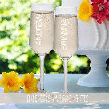SET of 2 Couples Names Champagne Flutes Personalized * * Sophisticated Contemporary Design * * Wedding Shower, Bridal Couple Wedding Gift *