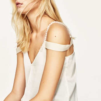 STRAPPY TOP WITH PEARLS