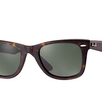 Look who's looking at this new Ray-Ban Original Wayfarer Classic