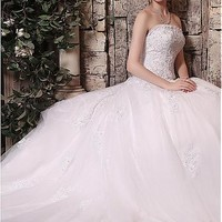 [159.99] Marvelous Tulle Strapless Neckline Ball Gown Wedding Dresses with Beaded Lace Appliques - Dressilyme.com