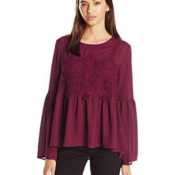Jolt Womens Chunky Lace Trip Bell Sleeve Top