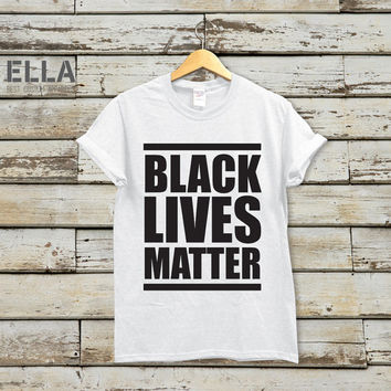 Black Lives Matter Unisex T-shirt - Tshirt for Her - Unisex t-shirt