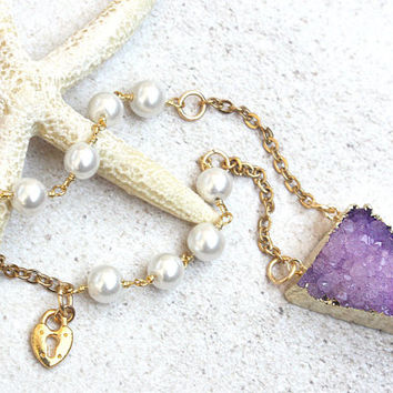 purple druzy pendant, druzy jewelry, beachy druzy pendant, druzy gift, druzy necklace, beachy jewelry, pearls, purple stone jewelry, druzy