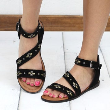Minnetonka: Tangier Studded Leather Sandal {Black}