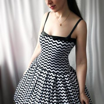 custom zigzag retro swing dress Pepper handmade by smarmyclothes