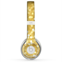 The Bright Golden Unfocused Droplets Skin for the Beats by Dre Solo 2 Headphones