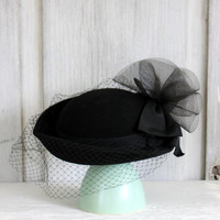 vintage ladies hat // black // wool with veil and bow // IHC U.S.A.