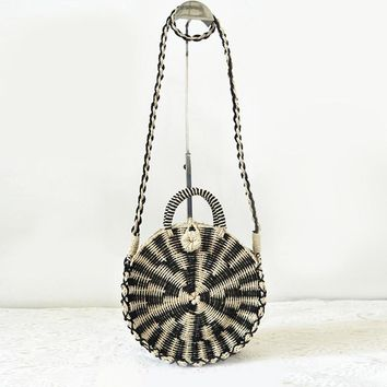 Chic Handmade Rattan woven Round Handbag Vintage Retro Straw Knitted Messenger Bag Lady Handbag Summer Beach Tote Circle Bag