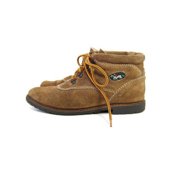 Vintage shearling boots. brown leather ankle boots. winter boots. 70s hiking boots. lace up suede boots. 80s womens work boots. size 7.5