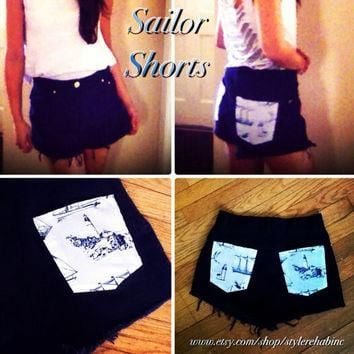 Hey Sailor... Navy blue high waisted sailor shorts. Size 3 to 4 vintage Ralph Lauren