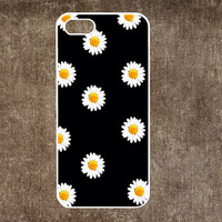 iPhone 5 Case, iPhone 5c Case, iPhone 5s Case, iPhone 4 Case, iPhone 4s case, Little Daisy, Skins, Case for iphone, Phone Cases