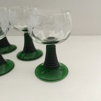 Wine Glasses Luminarc Roemer Grapes and Vines Etched Bowls Green Stacked Stem Cristal D'Arques-Durand Set of Eight c1970
