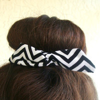 "Wire Bun Wrap, Top Knot Wire Wrap Black and White Chevron Metallic  ""Mini"" Dolly Bow Wire Headband Ponytail Hair tie Hair Bun Tie Wrap"