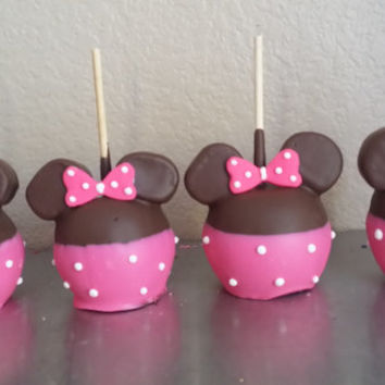 Minnie mouse chocolate dipped apples with ears
