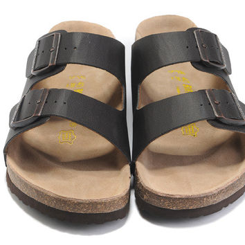 d9850eab65af 2017 New Fashion Birkenstock Summer Fashion Leather Cork Flats Beach Lovers  Slippers Casual Sandals For Women