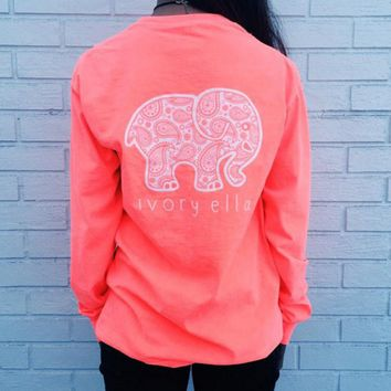 The new long-sleeved T-shirt Elephant pattern blouse